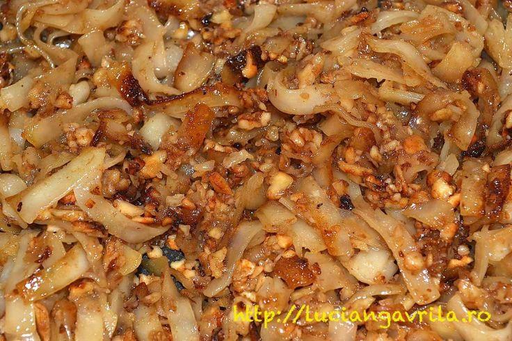 Tăieței prăjiți cu nucă                                          Fried #noodles with nuts
