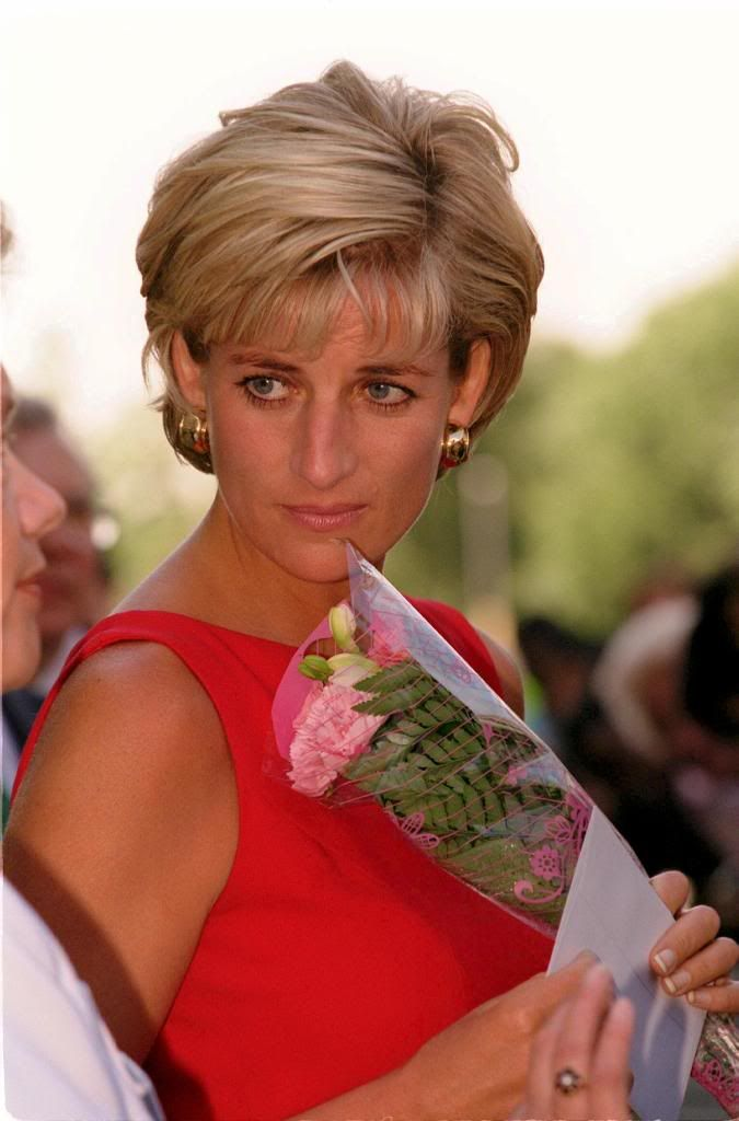 On Monday July 21st in 1997, Princess Diana visited Northwick Park Hospital at Harrow in London. It was her first public engagement since returning from her summer holiday in St Tropez, and she wore a red shift dress with gold double buckle belt by designer Catherine Walker. This was Diana's last Engagement before her death in August 1997.