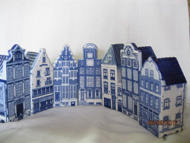 SET OF 7 DELFT BLUE HANDPAINTED HOLLAND - HOUSES OF AMSTERDAM