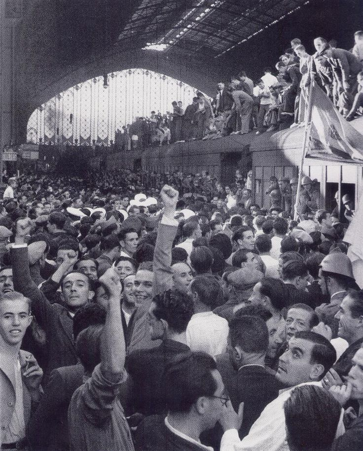 Recibimiento en la estación de las tropas republicanas procedentes de Valencia (VIDAL) 1-8-1936