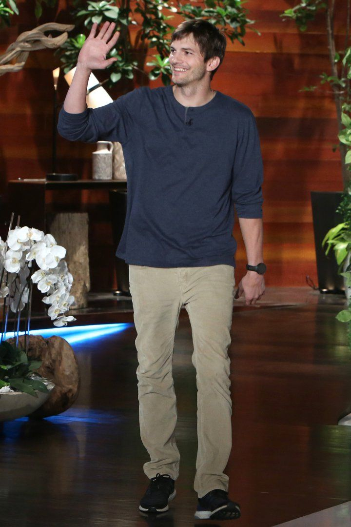 Ashton Kutcher Impersonating His Daughter's Dance Moves Is the Cutest Thing You'll See All Day