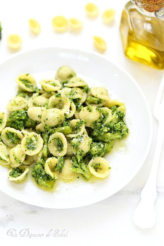 Un dejeuner de soleil: Pâtes aux brocolis comme en Italie