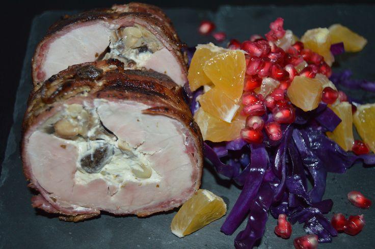 Økologisk svinemørbrad svøbt i bacon og fyldt med efterårs lækkerier