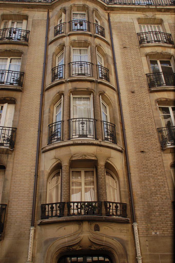 Bowed windows - façade of the rue Agar Hector Guimard building, Paris 16th arr