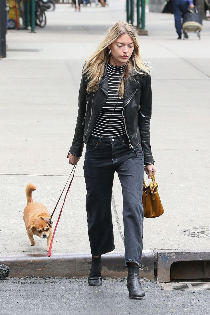 martha-hunt-urban-outfit-walks-her-dog-in-new-york-4-7-2017-4.jpg (1280×1919)