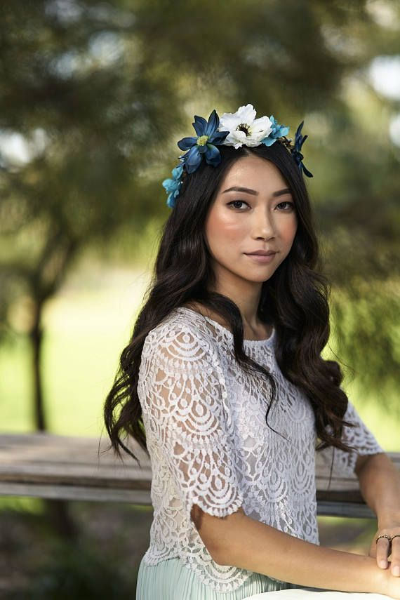 ♥ Timeless head wreath designed with premium flowers with a great texture and beautiful shades. Handmade with great care and attention to detail by Brenda ♥ Perfect for destination weddings, festivals and garden parties.  On Instagram  Flower crown @boutiquebybrendalee Photographer @evocativelight Model @annekeliu Makeup @caterinanunez
