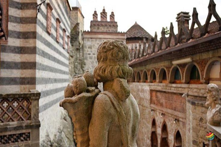 Rocchetta Mattei si trova nella regione Emilia Romagna esattamente a Grizzana…