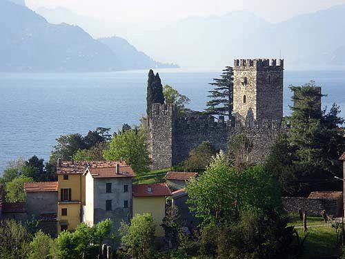 Rezzonico (fraz. di San Siro, castello)
