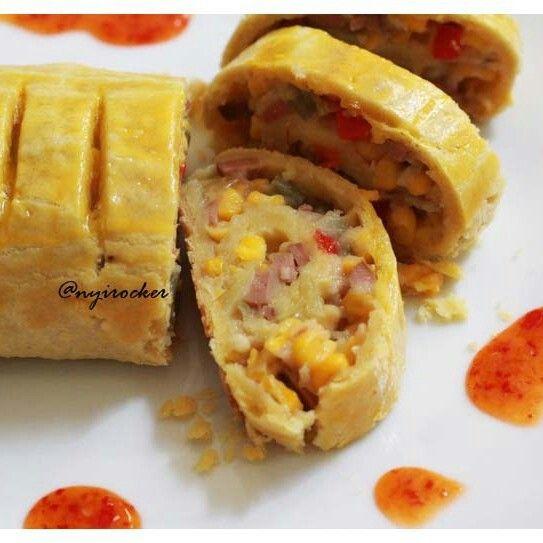 Pie Gulung isi sayur dan sosis