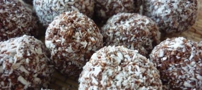 Coconut balls (KOKOSOVÉ KULIČKY)
