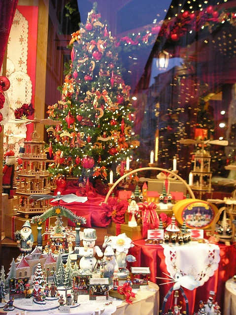 Kathe Wohlfahrt  World Famous German Christmas Store in Oberammergau