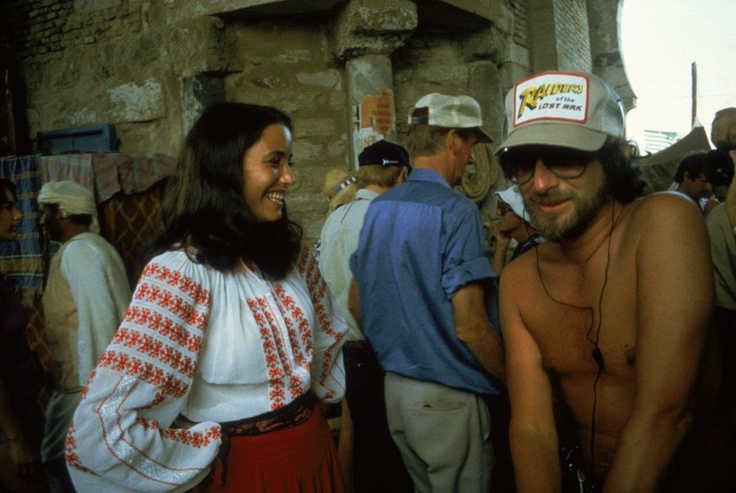 Steven Spielberg and the #RomanianBlouse #LaBlouseRoumaine on the set of Indiana Jones and Raiders of the Lost Ark. Chatting to Karen Allen as Marion Ravenwood.