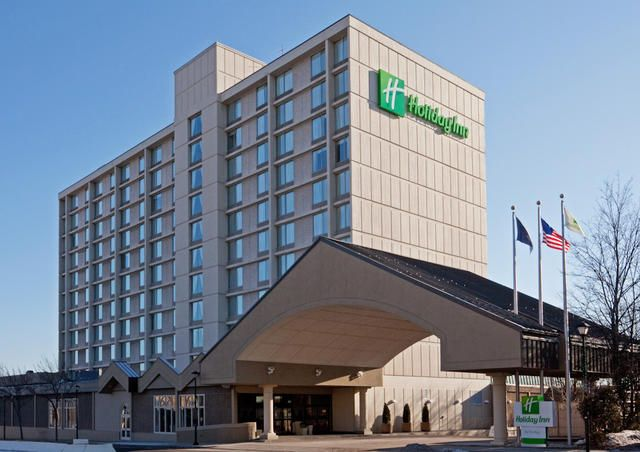 Park, Stay & Go Special - Holiday Inn By The Bay #portlandmaine #visitmaine