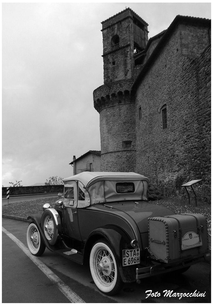 Auto d'epoca a Castiglione Garfagnana