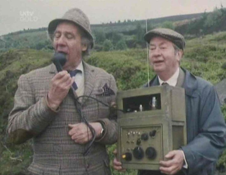 Episode 76: Big Day at Dream Acres - Compo and Clegg carrying Seymour's latest adventure (loud speakers).