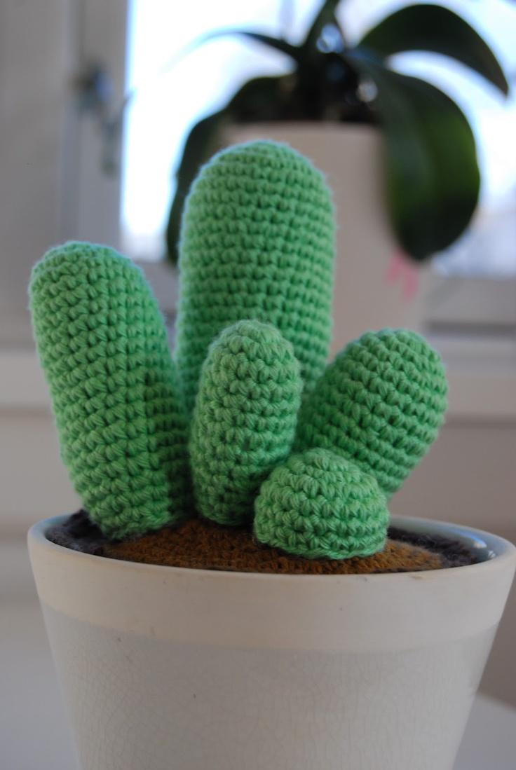 For 2 kr blandet: Hæklet kaktus