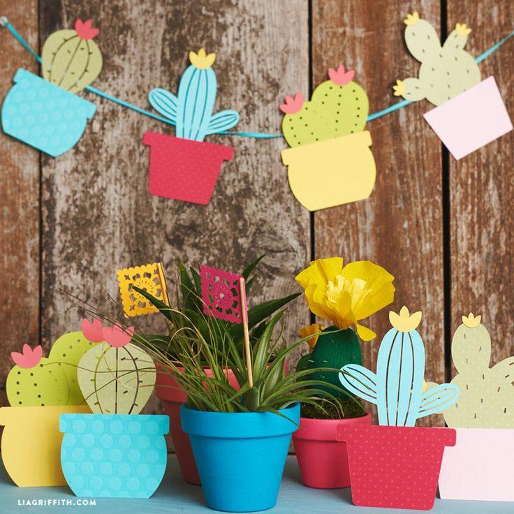 Mettre de la couleur chez avec un peu de papier coloré. rien de plus facile avec cette jolie guirlande de cactus en papier. Que cette journée vous soit douce et créative.