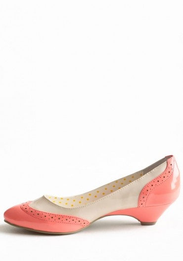 Coral brogues/oxfords with kitten heels