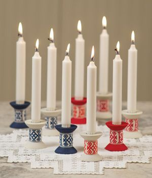 Love the look of these candle holders.  Perfect for winter