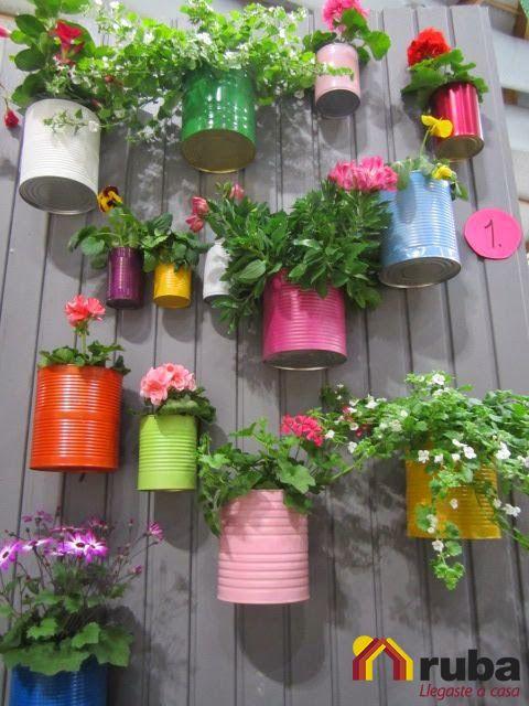 Si eres fanatico de las pequeñas plantas no dudes más en llenar tu espacio de color y vida #RubaVerde Te dejamos la siguiente liga para que encuentres más ideas de maceteros echos con latas http://comohacerpara.com/hacer-maceteros-con-latas_7118h.html