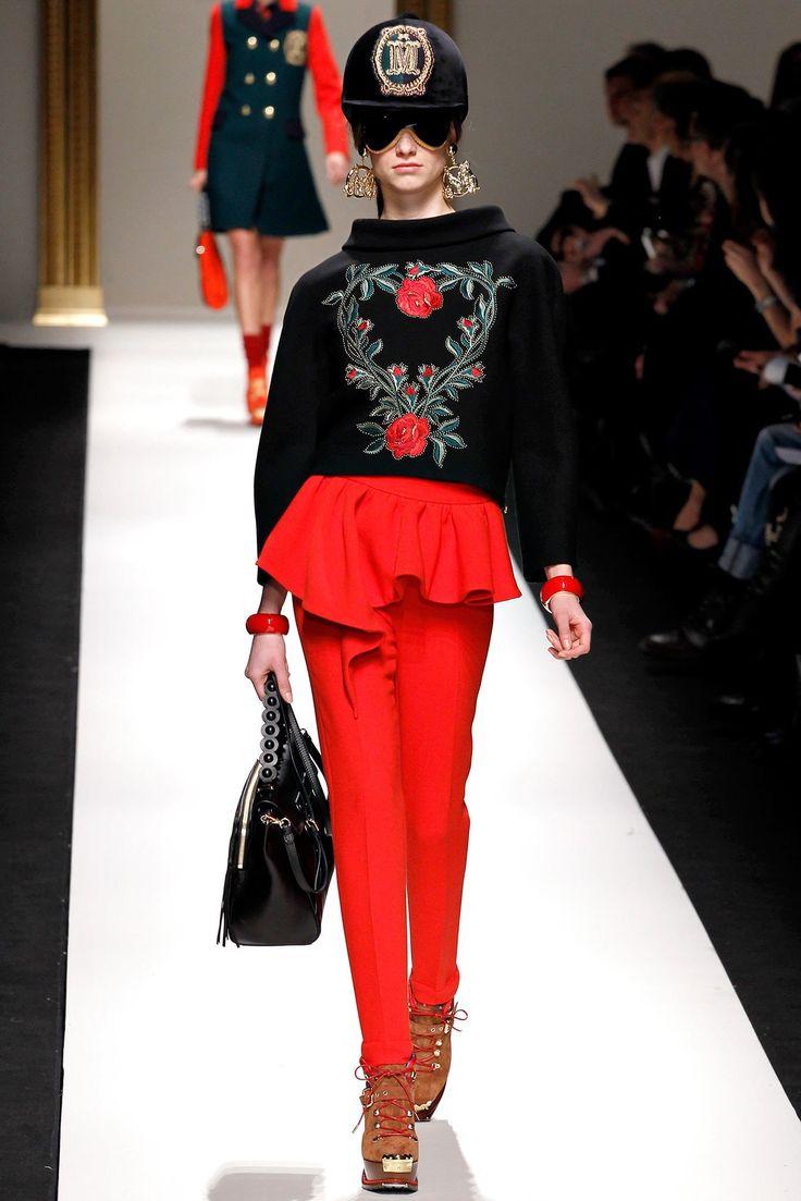 Moschino Fall 2013 Ready-to-Wear Fashion Show - Iris van Berne
