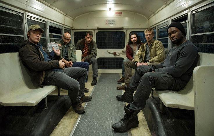 ATUALIZADO em 09/03/2017 com nova foto do elenco, desta vez em um ônibus e incluindo Alfie Allen (Game of Thrones) e Thomas Jane (O Nevoeiro, The Expanse):
