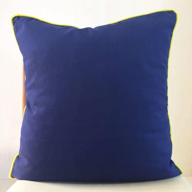 Un preferito personale dal mio negozio Etsy https://www.etsy.com/it/listing/526745923/blu-grey-cushion