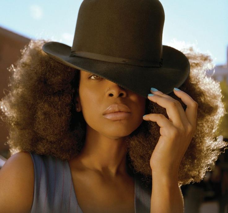 Erykah Badu: Hair Beautiful, Cowboys Hats, Erykah Badu, Natural Hair, Naturalhair,  Ten-Gallon Hats, Music Artists, Black, Erykahbadu