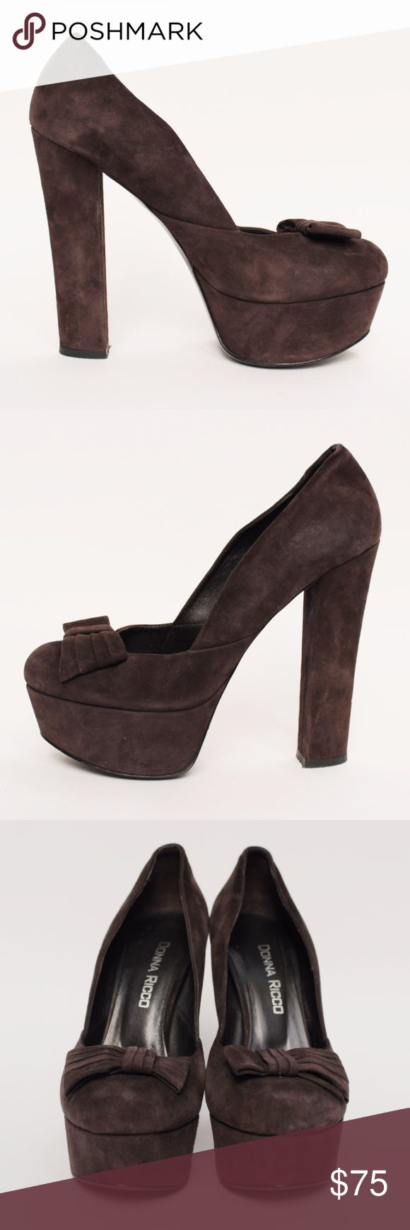 """Donna Ricco Brown Suede Chunky Bow Platform 7M W64 Donna Ricco Brown Round Slip On Chunky Covered Round Toe Bow Accent Suede Platform Chunky Heel Retails $200 Size:  7US 37 EU  Color: Brown  Pattern: Suede Toe: Round Heel: Chunky Covered Heel Height: 5"""" Platform: 1.5"""" Closure: Slip On Upper: Suede Lining: Leather Sole: Man Made Style #: 424 Condition: Pre-Owned Excelllent, Gently Worn! Comes from a pet and smoke free environment!  Please review pictures and contact me if you have any…"""