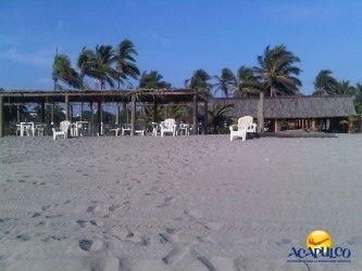 #lasmejoresplayasdeacapulco Conoce la hermosa playa Barra Vieja de Acapulco. LAS MEJORES PLAYAS ESTÁN EN ACAPULCO. Barra Vieja es una extensa playa que se ubica sobre la carretera rumbo al aeropuerto, pasando playa Bonfil y donde encontrarás muchos restaurantes de comida deliciosa, además de diversas atracciones como rentar un caballo o una cuatrimoto para pasear. Te invitamos a visitar la playa Barra Vieja, durante tus siguientes vacaciones en Acapulco. www.fidetur.guerrero.gob.mx