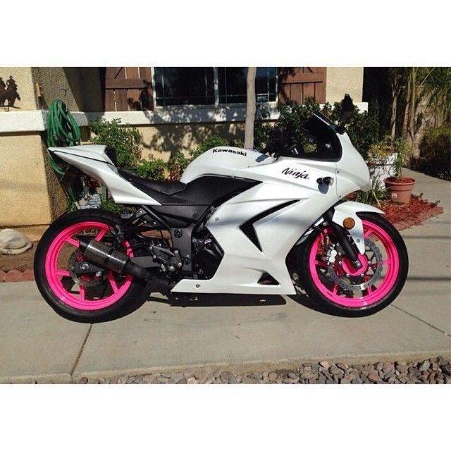 Ninja Photo: @marissaisabel Hashtag #2WP for a chance to be featured #motorbike #motorcycle #sportsbike #yamaha #honda #suzuki #kawasaki #ducati #triumph #victory #buell #aprilia #harleydavidson #r1 #r6 #cbr #gsxr #fireblade #pink #ninja #dirtbike #custom #bikelife #Twowheelpassion