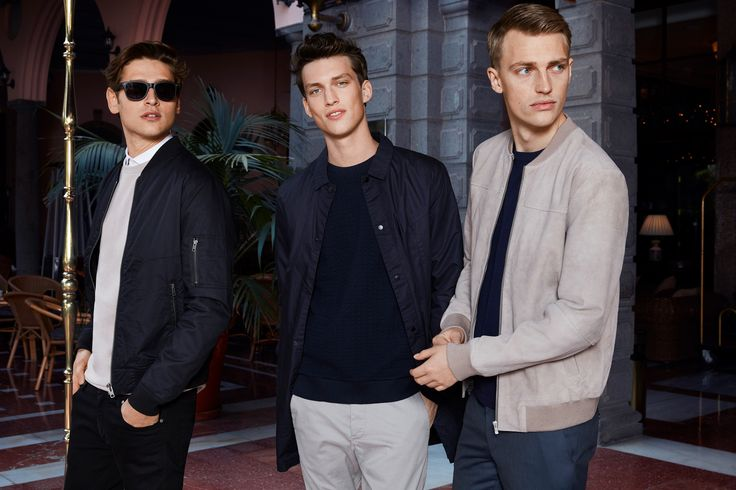 Bomber or trench? Three style ideas for men in navy blue and light beige | JACK & JONES