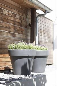 Elho Pure Round Bloempotten. Grote kunststof bloempotten voor binnen en buiten van Pure by Elho.