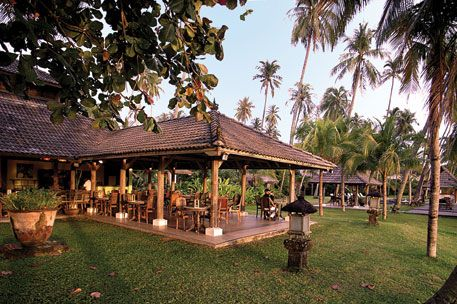 """The restaurant at the adjacent Bon Ton Resort is """"one of the most celebrated in Langkawi"""", says The Times. Dishes include prawn and pineapple curry or a seafood platter of rock lobster, snapper fillet, pepper prawns and calamari."""