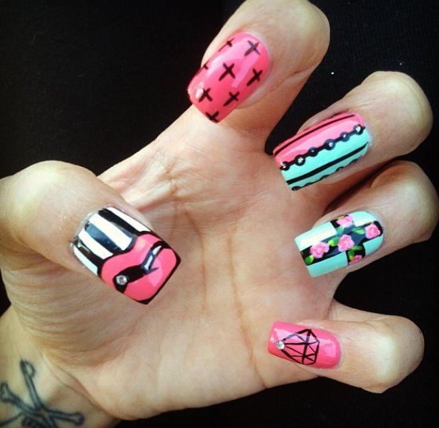 cross nail design