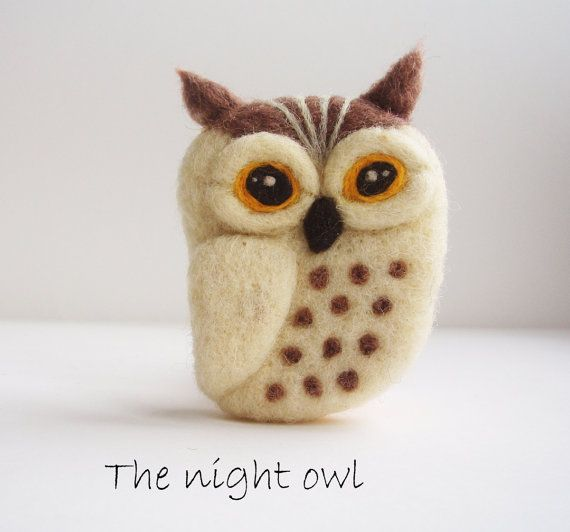The Night Owl - needle felted brooch
