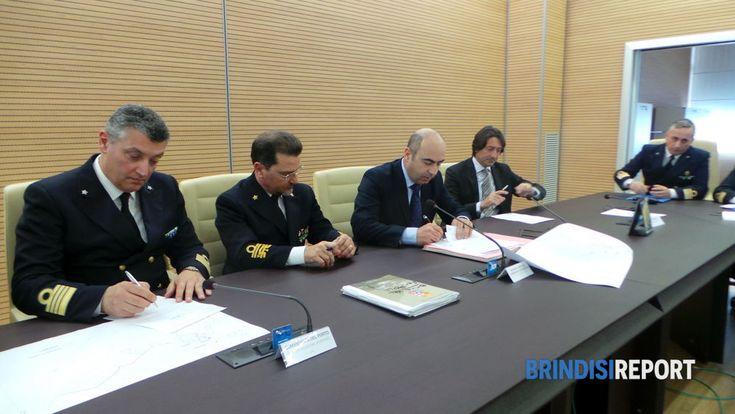 """Il commissario Cesare Castelli ha chiesto qualche giorno di tempo prima di apporre la sua firma sull'accordo raggiunto fra Marina Militare e Autorità portuale per la dismissione dagli usi militari dell'area """"Pol"""" del Seno di Levante"""
