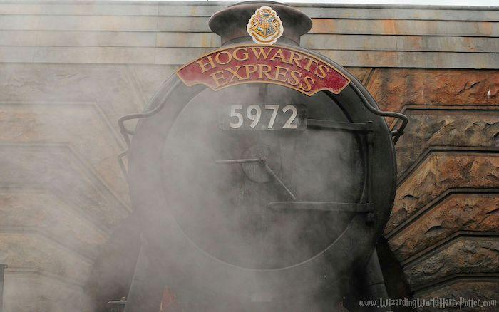 Front View Of The Hogwarts Express Train Harry Potter Wallpaper Steam Locomotive Desktop Wallpaper Harry Potter Harry Potter Wallpaper Harry Potter Theme Park Harry potter hd wallpaper cave