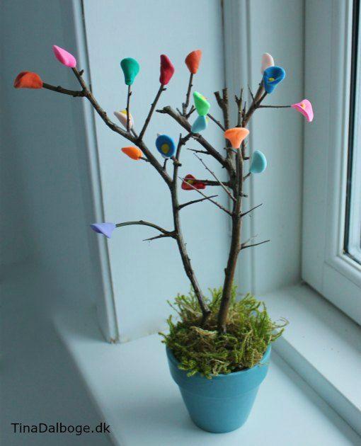 Kreativ ide børn kan lave med silk clay og foam clay fra Tina Dalbøges Kreahobshop. Små træer med blomster og blade