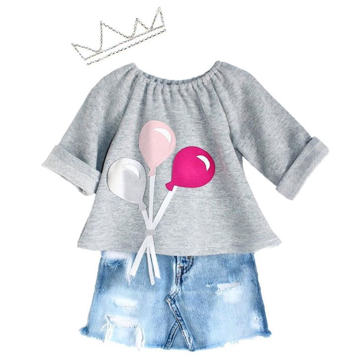 "We call this look ""the tomboy princess"" Grey knit sweatshirt, vintage Levi's skirt & quirky crown! #lindseyberns #fw15 #fête #ootd #minimode #ministylekids"