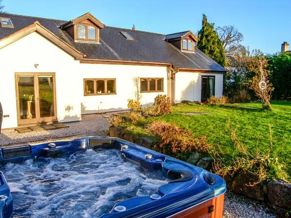 8 Best Cottages With Hot Tubs Images On Pinterest