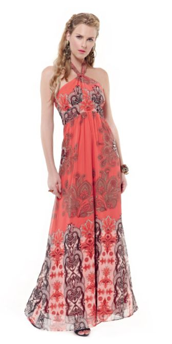 Red maxi floral dress for a pretty outstanding evening night out!