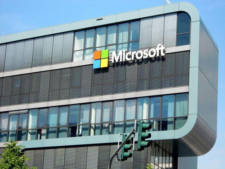 Искусственный интеллект Microsoft сумел распознать эмоции в тексте http://oane.ws/2017/07/20/iskusstvennyy-intellekt-microsoft-sumel-raspoznat-emocii.html  Искусственный интеллект от компании Microsoft Text Analytics API сумел распознать эмоции. Сервис также получил поддержку русского языка.