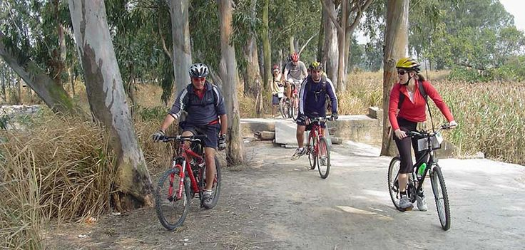 En bici por las casas castillo del sur de China - http://www.absolut-china.com/bici-las-casas-castillo-del-sur-china/