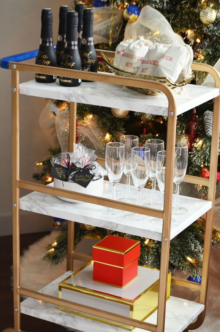 A super easy #nye #barcart. A little bar cart styling inspiration! Head over to Chic Home Style's page for tips on hosting a fabulous New year's eve party.