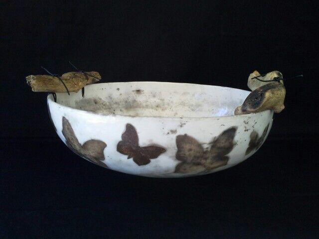 DIANE KOTZAMANIS..... Cycladic islands inspired, smoke fired bowl.......Diane Kotzamanis..... https://m.facebook.com/pages/DK-Ceramics/476698149067003