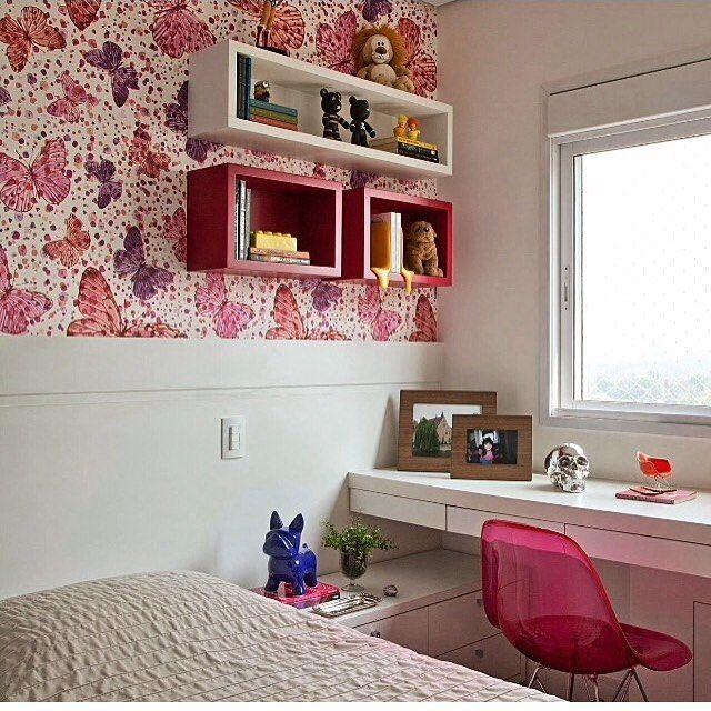 Quarto menina l Tecido que revestiu a parede com estampa de borboleta da Farm @farmamo e cadeira pink ficou um arraso! Projeto @patriciapasquinidesigner #bedroom #farm #style #girl #pink #quartodemenina #decor #amazing #instalove #interiores #kidsroom #arquiteta #instalike #cute #homedecor #instabest #blogfabiarquiteta #fabiarquiteta