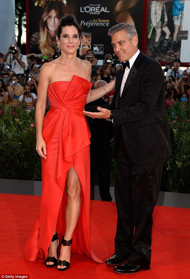 George Clooney knowsshes the best. im sorry though...loo at her. will she EVER age?