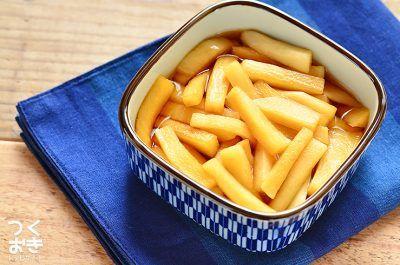 余った大根の消費にもオススメのレシピ。にんにくの風味が染み込んだポリポリ食感の大根は、おつまみにも最適です。にんにく自体を食べるわけではないので、食後のにおいはあまり気になりません。冷蔵保存5日
