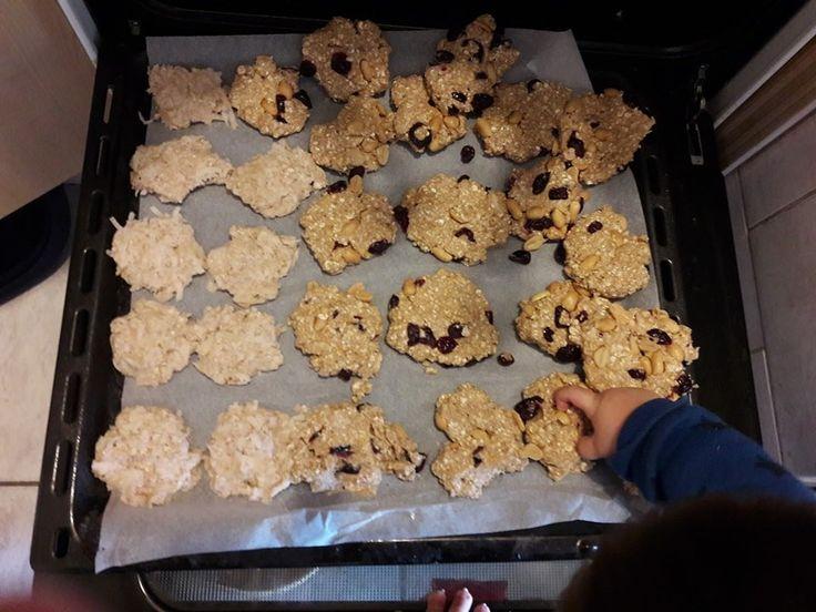A tegnapi heti örömök kekszei felcsigázott pár ember, kértétek is a receptet. A kérésetek pedig számomra csakis parancs lehet :-), ezért úgy...